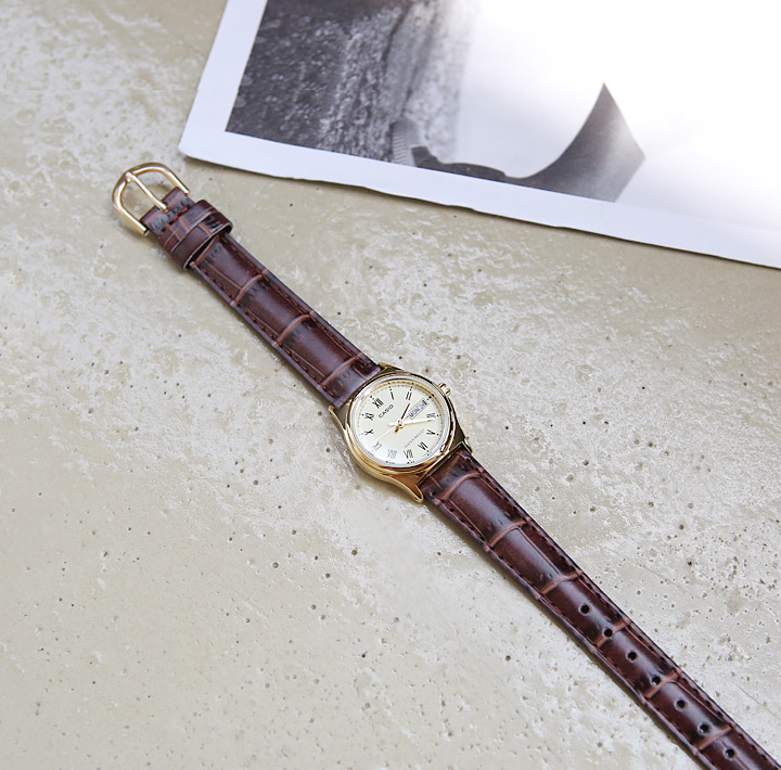 [ACC] CASIO BROWN LEATHER WATCH