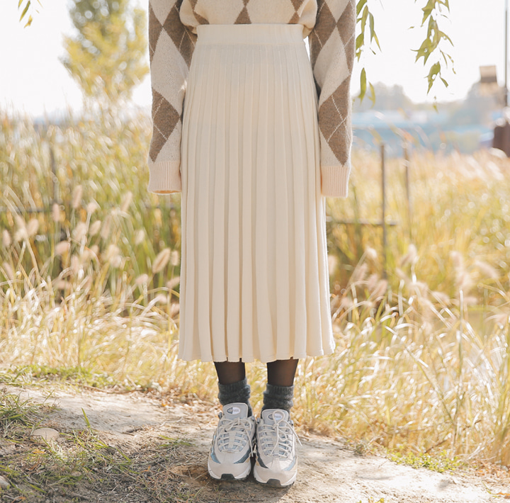 [SKIRT] SLOP PLEATS KNIT LONG SKIRT