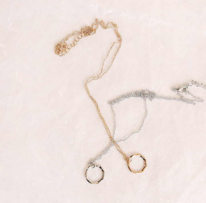 [JEWELRY] ALLEN WAVE O RING NECKLACE