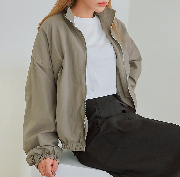 [OUTER] ALBERT STRING WINDBREAKER JUMPER