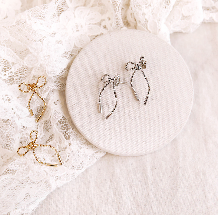 [JEWELRY] SELLO TWIST RIBBON EARRING