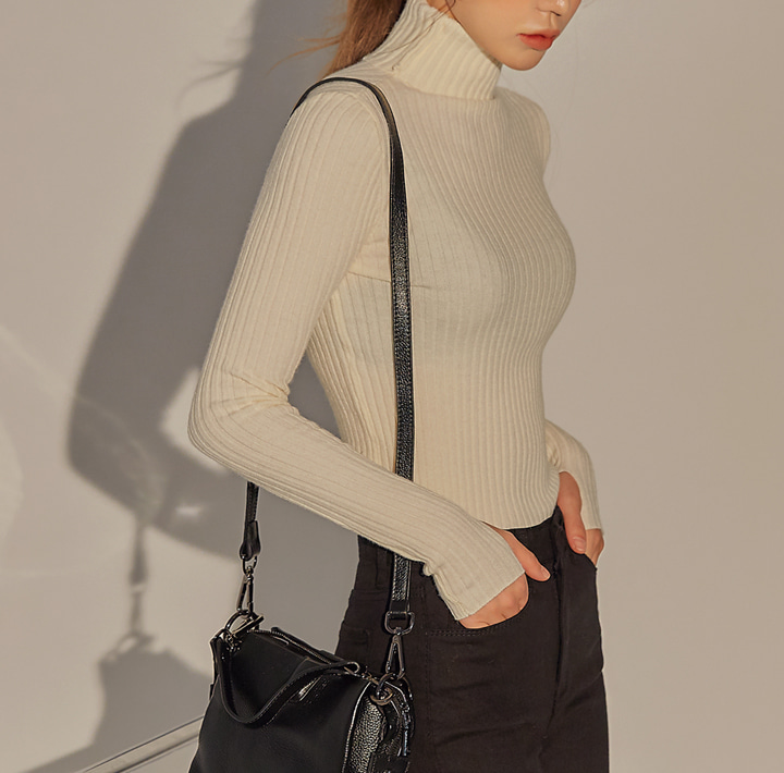 [TOP] RONITA HAND WARMER TURTLE NECK KNIT