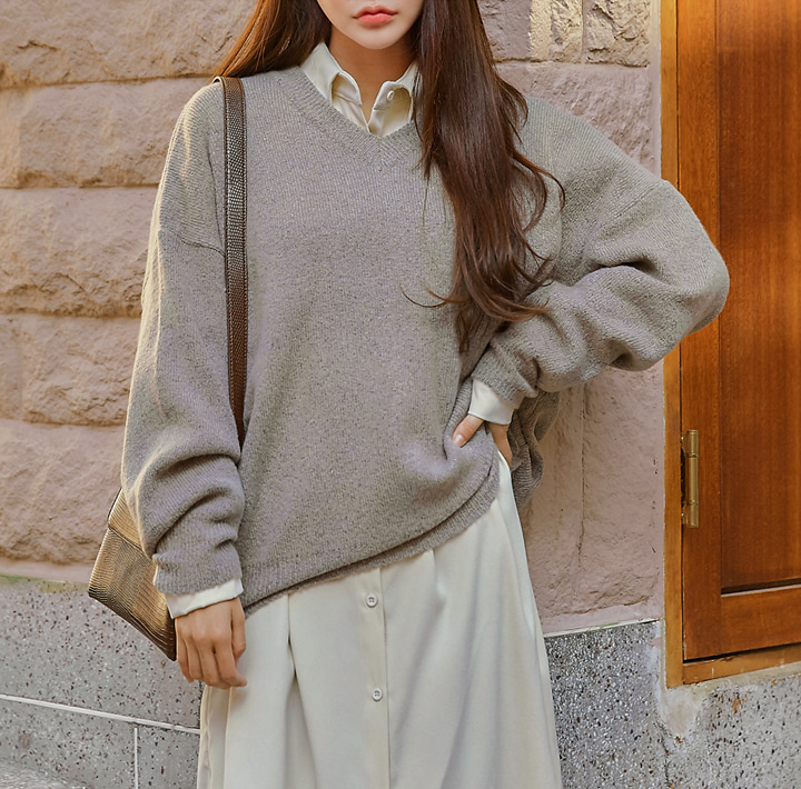 [TOP] MOSTEEN V NECK LOOSE FIT KNIT