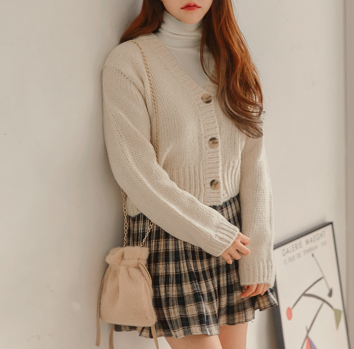 [OUTER] SLOWIN V NECK CROP KNIT CARDIGAN