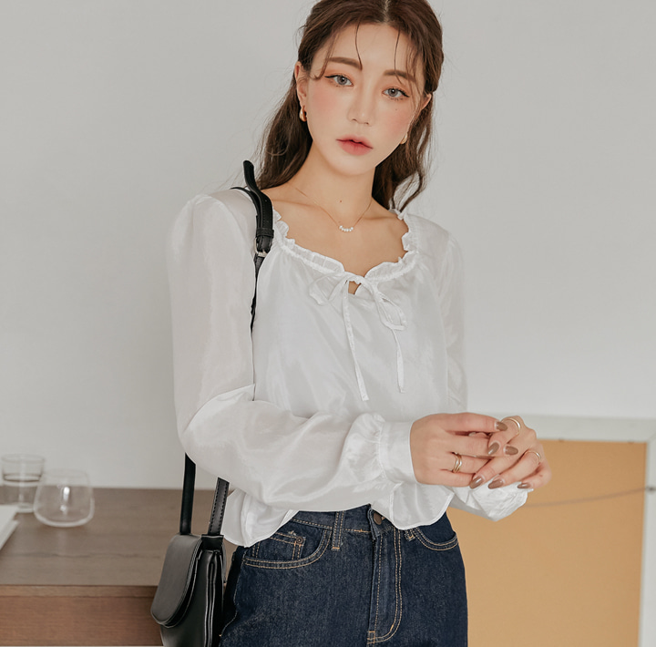 [TOP] SERIN SATIN FRILL BANDING BLOUSE