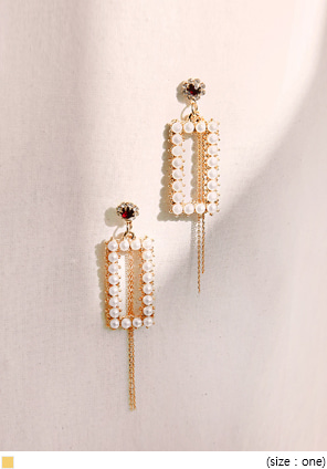 [JEWELRY] SQUARE PEARL DROP EARRING