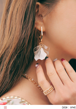 [JEWELRY] MONTE FLORAL LEAF DROP EARRING