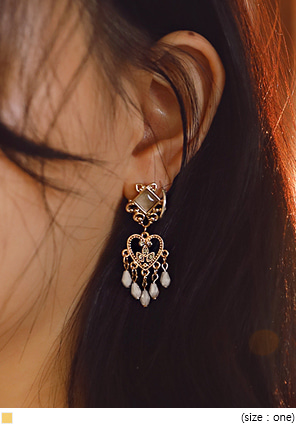 [JEWELRY] ANTIQUE HEART BEADS EARRING