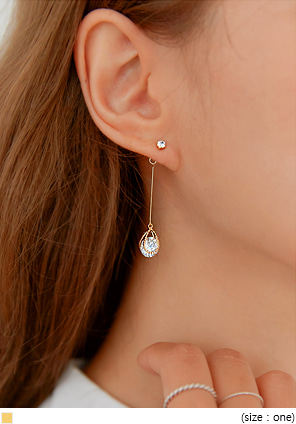 [JEWELRY] GLORIA CUBIC WATER DROP EARRING