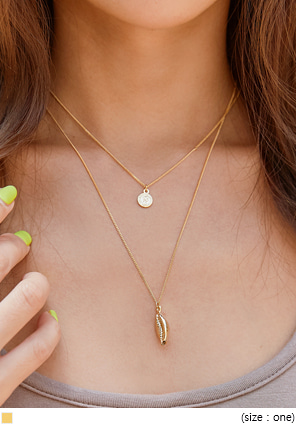 [JEWELRY] MOVA GOLD CLAM COIN NECKLACE