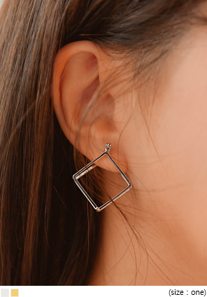 [JEWELRY] TWIN RHOMBUS EARRING