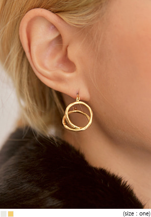 [JEWELRY] EDER TWIST CIRCLE EARRING