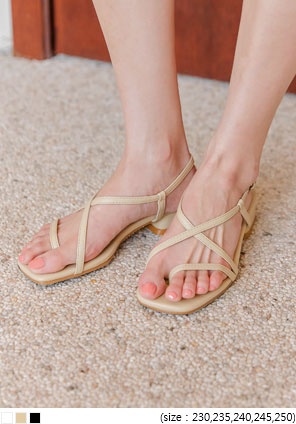 [SHOES] HELLY UNBAL STRAP SANDAL