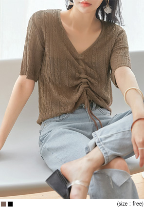 [TOP] TARO TWIST STRING V NECK 1/2 KNIT