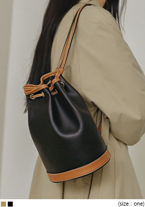 [BAG] COLORING LEATHER BUCKET BAG