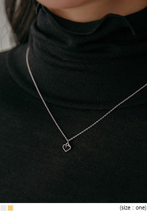 [JEWELRY] SELINE HEART PENDANT NECKLACE