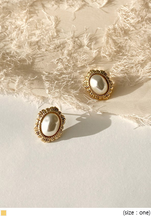 [JEWELRY] FLIA GOLD FRAME PEARL EARRING